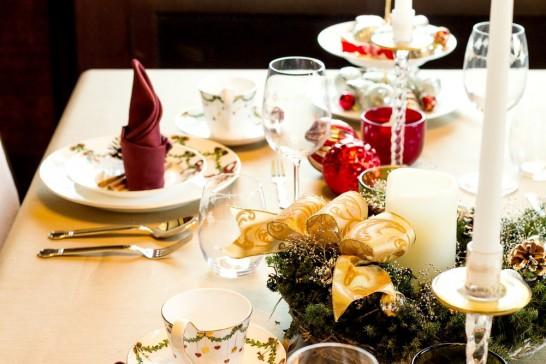 クリスマスパーティ テーブル